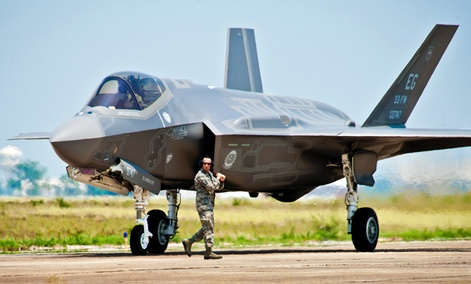 U.S. Air Force F-35 Lightning II joint strike fighter
