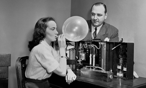 A breathalyzer prototype demonstrated in 1950.