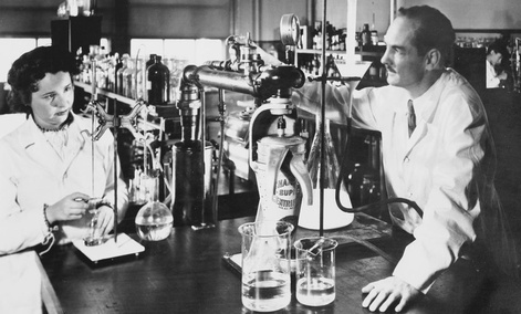 Gertrude Elion and George Hitchings in 1948