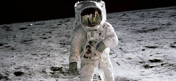 space suits for the moon - photo #22