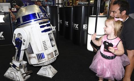 Everyone loves R2-D2.