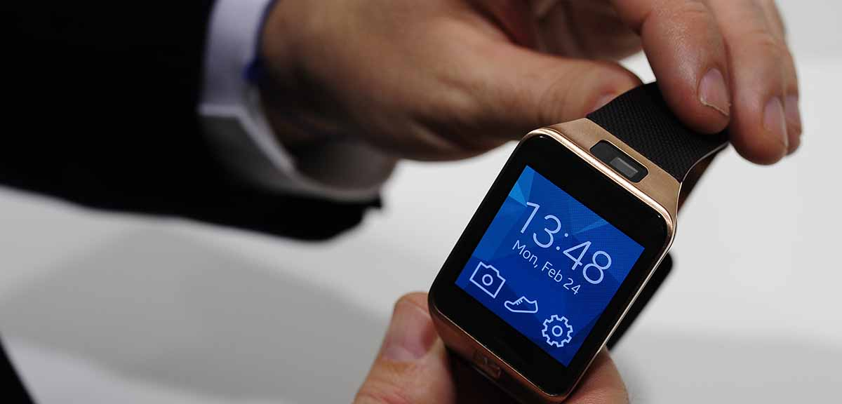 Video: How to Turn Your Regular Watch Into a Smartwatch ...