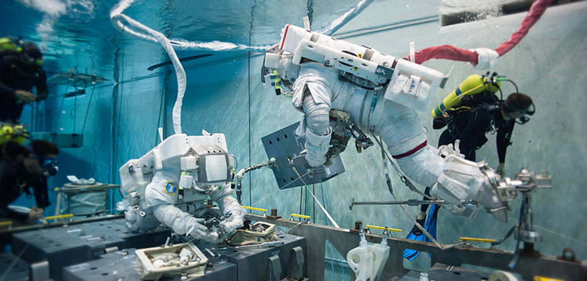 where do astronauts train - photo #35