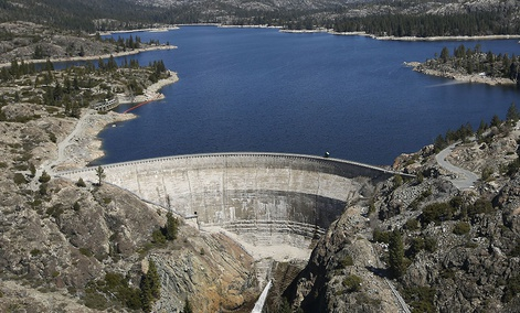 The PG&E hydroelectric dam at Spaulding Lake in Nevada County, Monday, April 3, 2017.