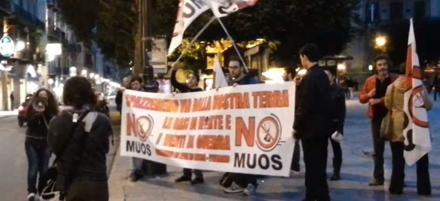 Sicilians protested the MUOS station along Palermo's Via Roma in April.