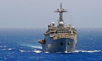 The amphibious transport dock ship USS Ponce (LPD 15) steams through the Red Sea.