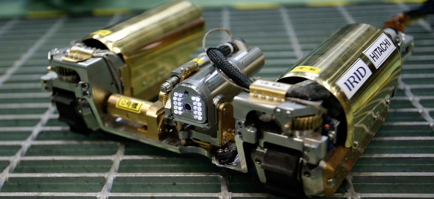 The snake-like robot, developed by Japanese electronics giant Hitachi and its nuclear affiliate Hitachi-GE Nuclear Energy, is ready to examine in April the damage inside Unit 1 reactor at the Fukushima dai-ichi nuclear plant.