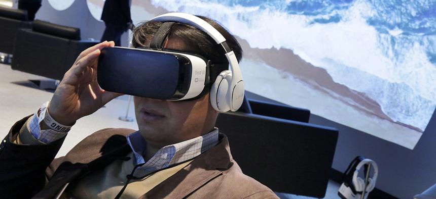 A user tests a Samsung Gear VR oculus.